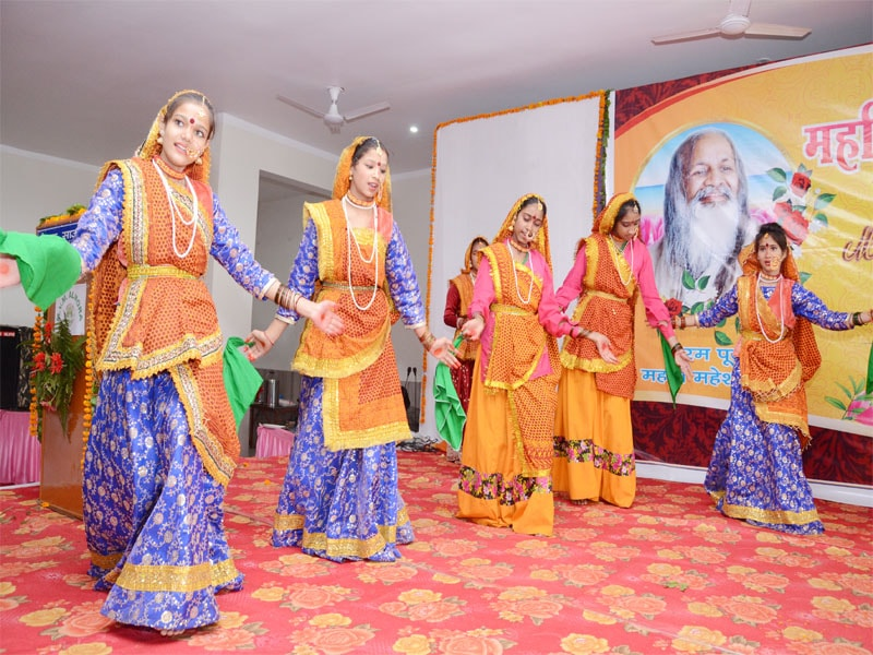 cultural programmes were performed by students mvm almora