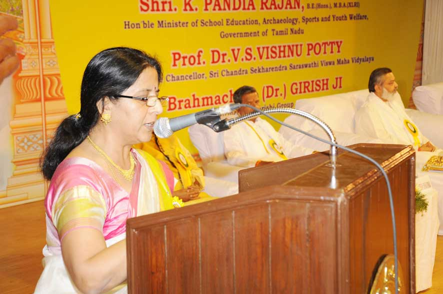 Dr. Suprabha giving welcome speech