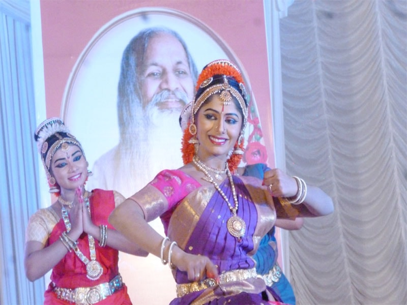traditional dances was performed by students of mvm shoranur
