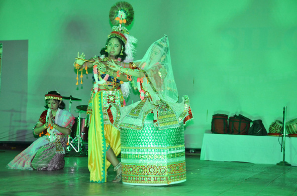 mvm silchar have performed beautiful traditional dances